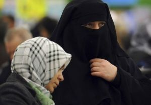 niqab-burqa-france-leers-voile-integral_17