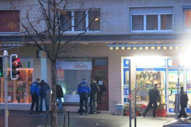 dealers Lausanne Chauderon police manali