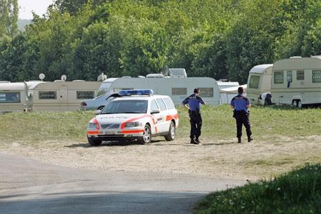 gitans police caravane