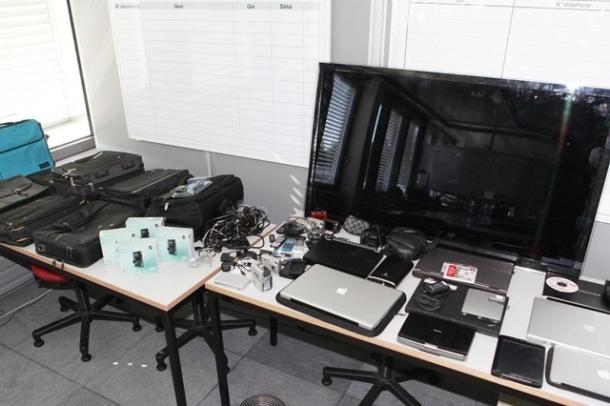 police vols ordinateurs téléphones matériel éléctronique