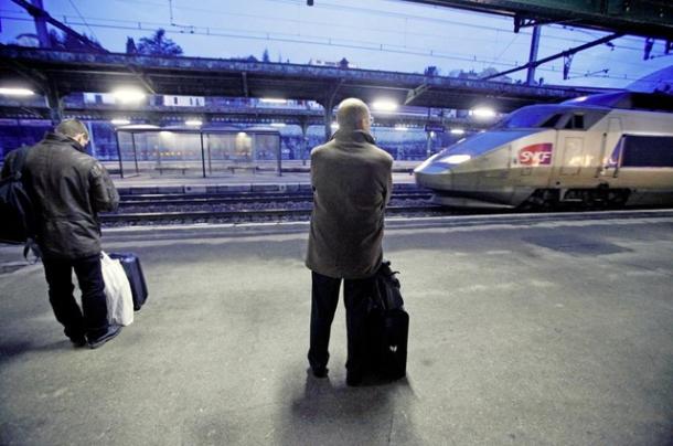 En descendant du TGV, les prévenus ne passaient pas par le poste-frontière mais traversaient les voies de chemin de fer.