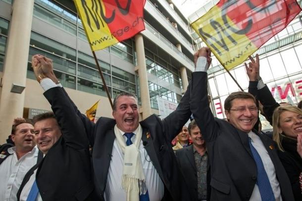 La victoire du MCG et de l'UDC à Genève montre que la problèmatique de la concurrence étrangère sur le marché de l'emploi et du logement est de plus en plus sensible. Image: Keystone