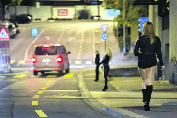 prostitution pute rue lausanne genève voiture sexe