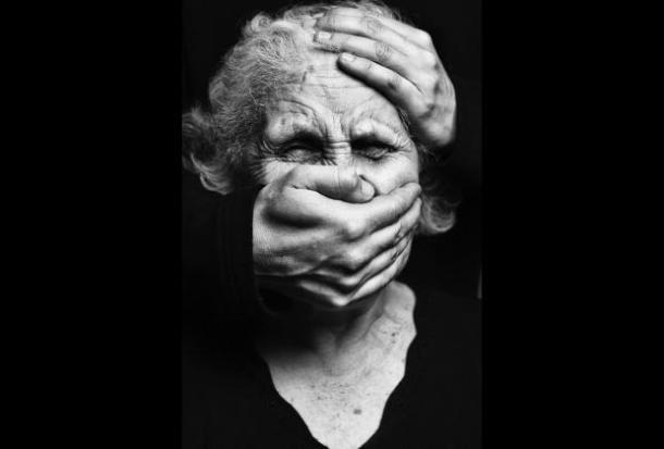 femme agression torture octogénaire