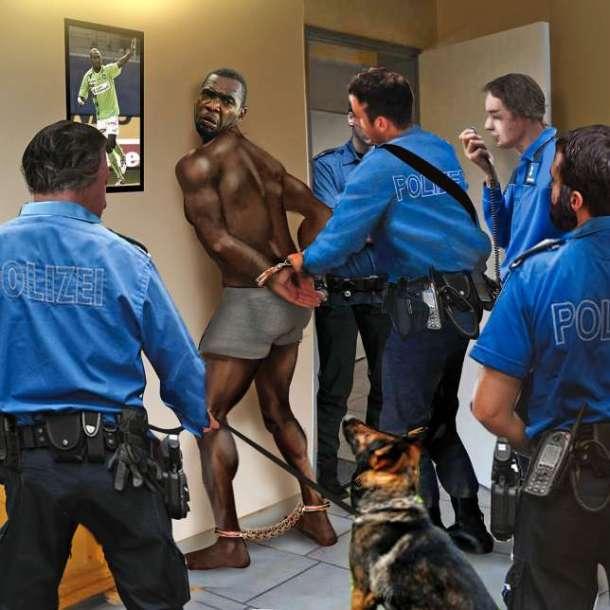 polizei black arrestation police menottes chien