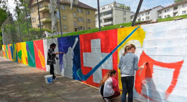 peinture enfants croix suisse drapeau