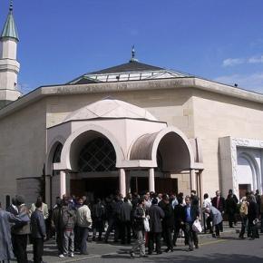 A la grande mosquée de Genève, des jeunes se préparent audjihad